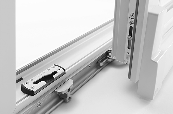 Manutenzione serramenti in pvc desa fenster - Verniciare finestre alluminio ...